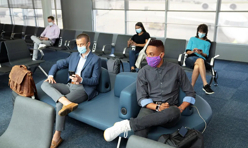 United Extends Mask Requirements to Airports