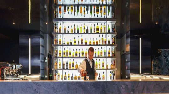 Scenic Cruises : From Whiskey to Wine