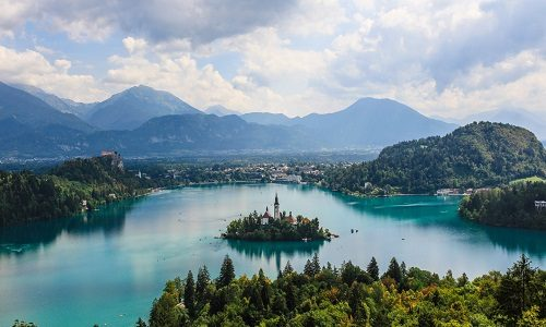 2021 Bucket List: Top 20 Things to See in Your Lifetime with Europcar